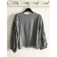 Sweat Bordada Floral - Cinza